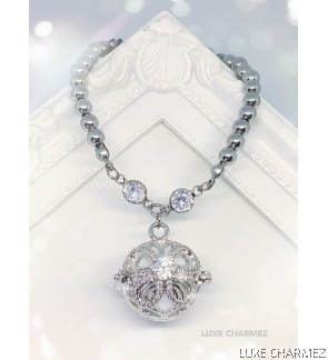 Butterfly Glitz Diffuser Bracelet